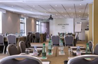 Find a meeting room for rent in Paris